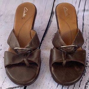 Clark's Brown Slip On Thong Buckled  Mule Size 8